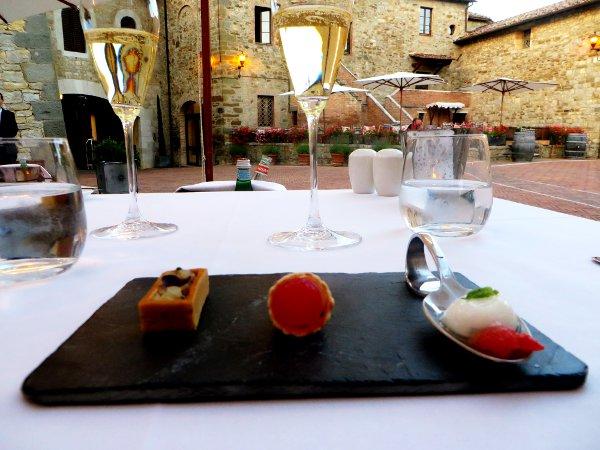 Ristorante-Contrada-Castel-Monastero-aperitivo