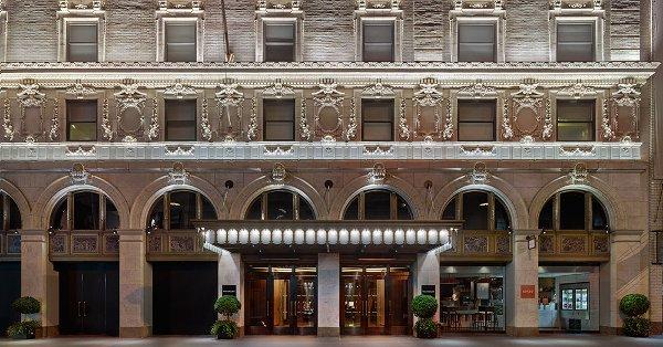 paramount-hotel-newyork-facade