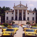 Lamborghini a Villa Sandi Stile Iconico tra calici di Prosecco