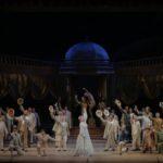 Teatro Filarmonico Verona, tra lustrini e can-can con l'operetta
