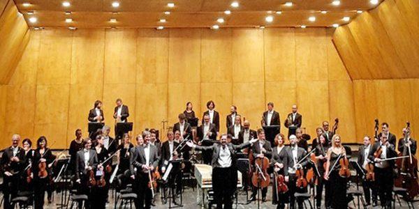 Benjamin Bayl sul podio e l'Orchestra Haydn, virtuosa sinergia