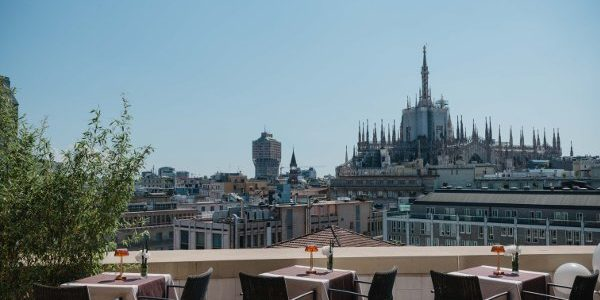 Terrazza Latitude 45. Lifestyle con vista Duomo. Food, drink & more