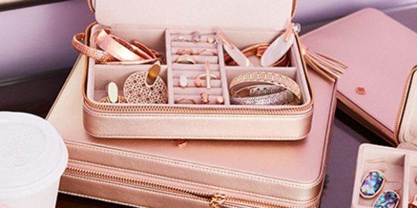 Kendra Scott, fashion travel with accessori couture very chic